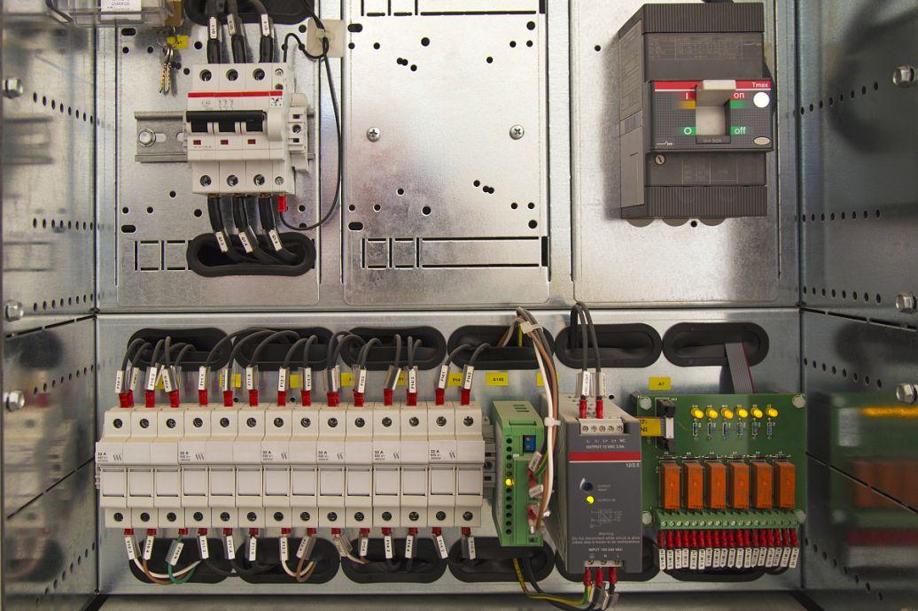 220V小型水泵的接线方法图片