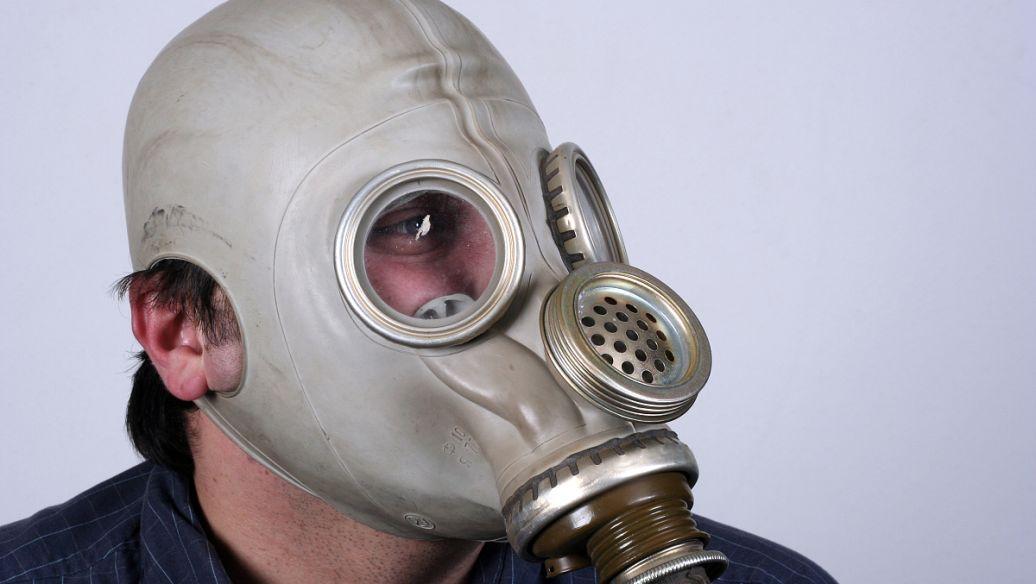 防护面罩不敌无纺布口罩 很难阻挡飞沫传播